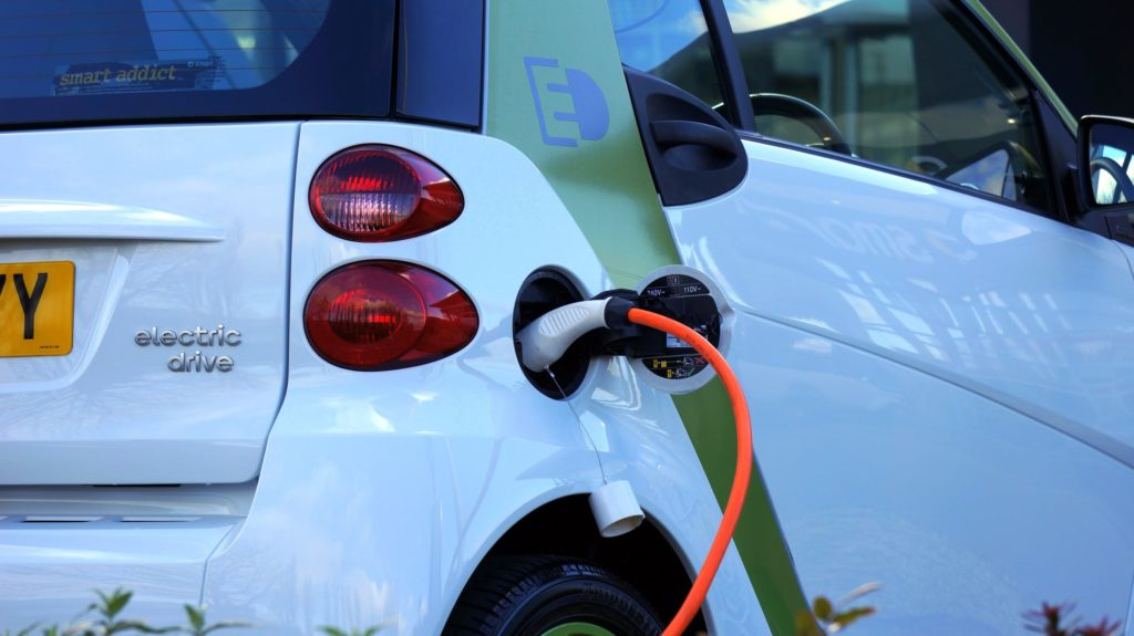 Electric Car & Advantages of ECommerce B2B to the Automotive Industry